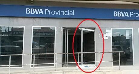 Continuan  atentados contra instalaciones bancarias