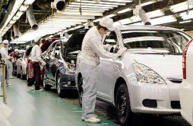 Japón limita horas extras de trabajo