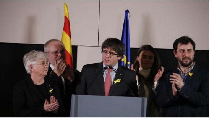 Puigdemont insta al gobierno de España a negociar