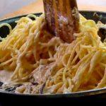 Listos los Espaguetis muy cremosos